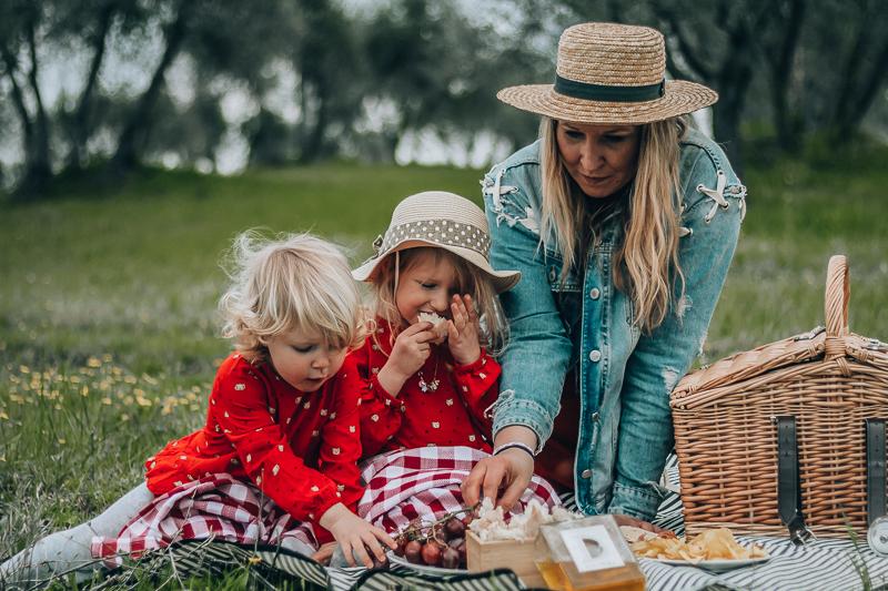 Tuscany picnic